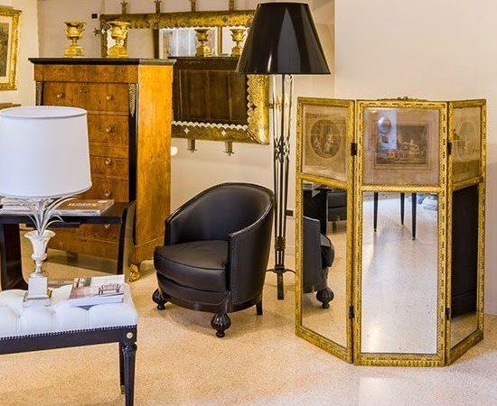 mobili antichi a Milano